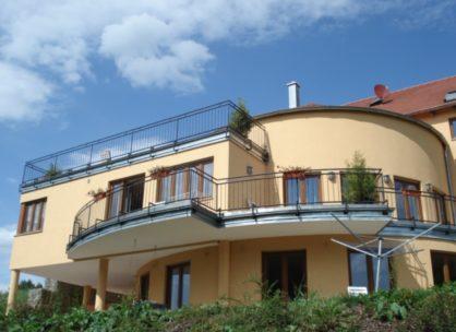 Moderne und elegante Villa in Roding